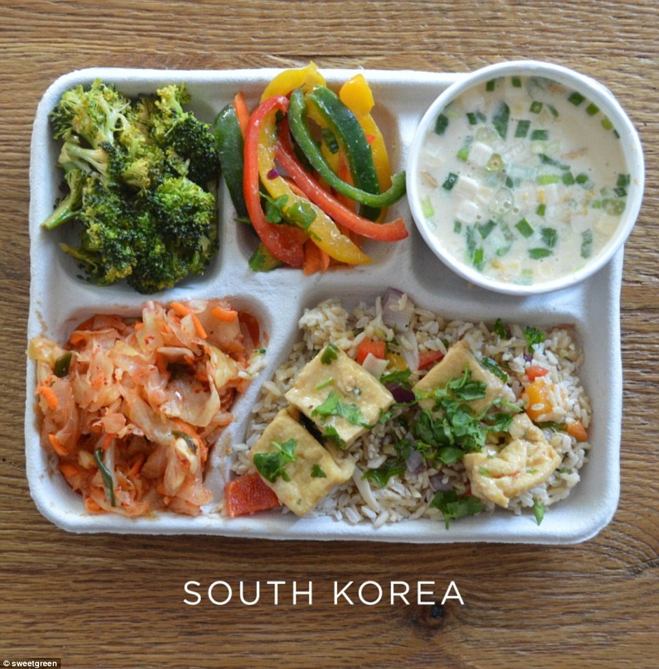25C3DF1900000578-2957301-South_Korean_children_tuck_into_broccoli_and_peppers_fried_rice_-a-6_1424244473592